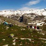 פסגות הרים מושלגים ביוון