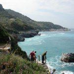 טיול משפחות ביוון - צפייה בנוף החופים