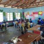 כיתה של ילדים מקומיים בזימבבואה - טיול מאורגן