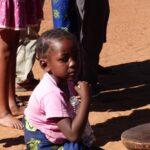 ילד מקומי בזימבבואה - טיול בנהיגה עצמית